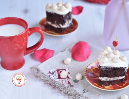 Torta soffice al cacao con panna al cioccolato bianco e mascarpone