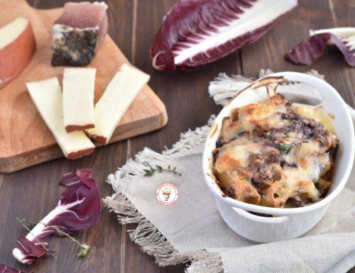 Rigatoni gratinati al forno con radicchio e fontina