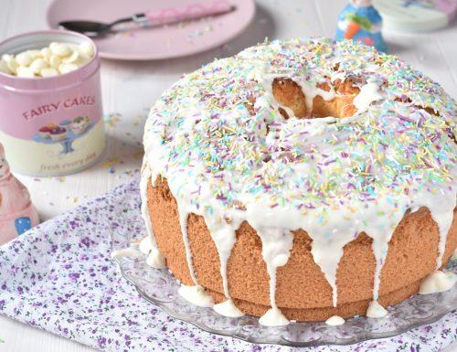Chiffon cake al latte con glassa al cioccolato bianco