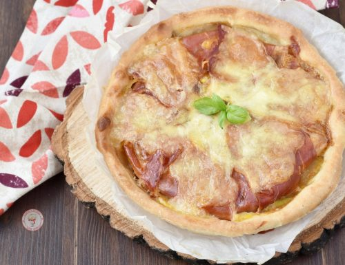 Torta salata di pasta matta con zucchine e prosciutto