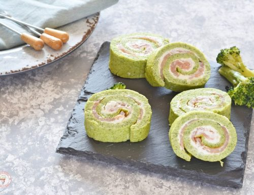 Rotolo di frittata verde con salmone al forno