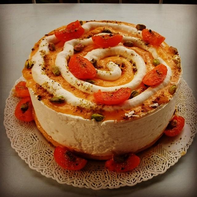Torta albicocca, yogurt e pistacchio