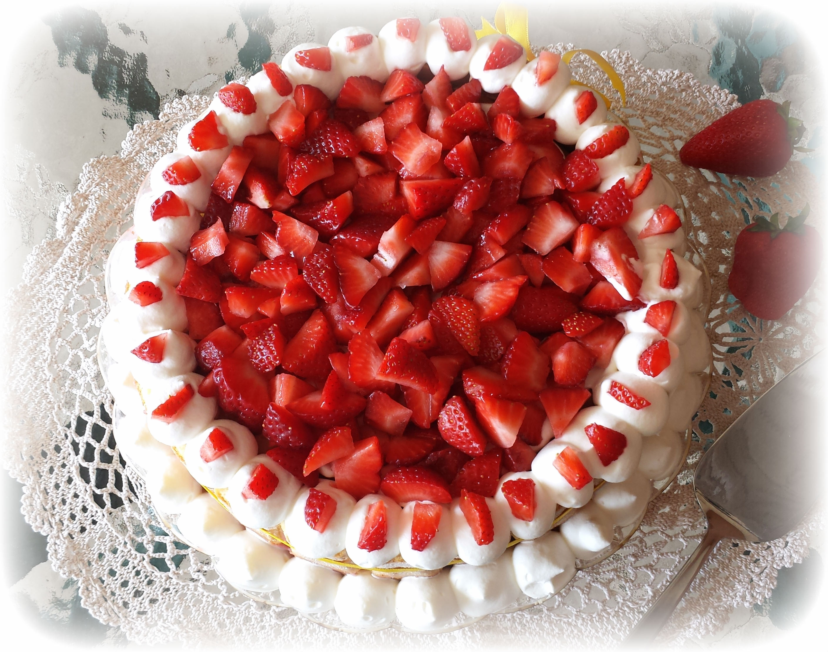 cheesecake charlotte alle fragole
