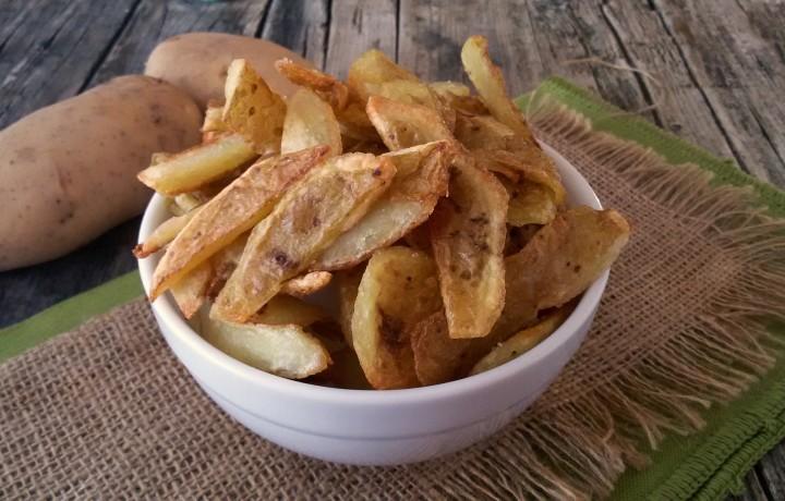 Bucce di patate fritte, snack gustoso