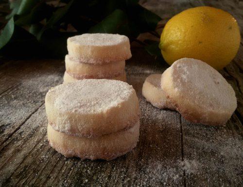 Lemon meltaways, biscotti al limone che si sciolgono in bocca