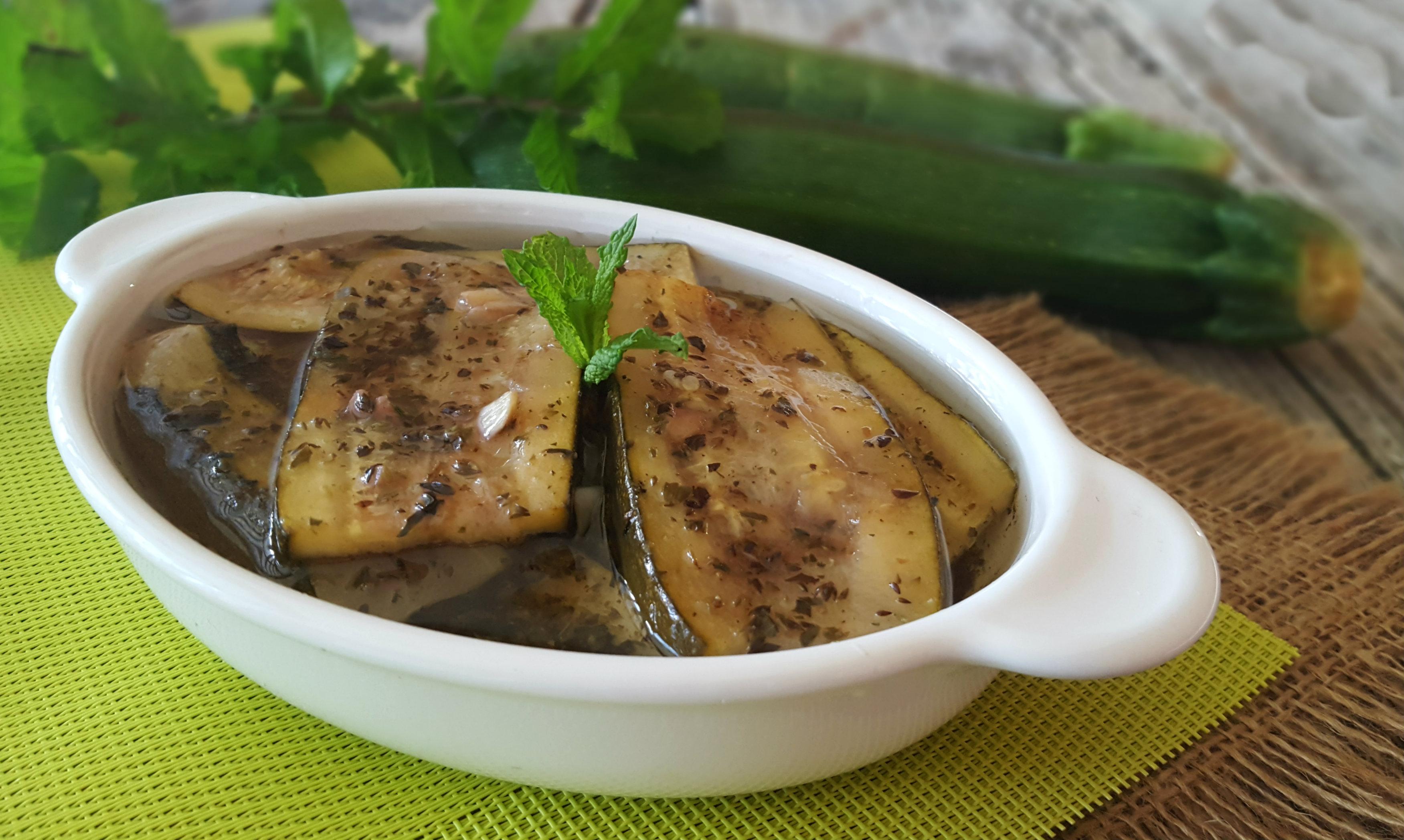 Zucchine grigliate alla menta ricetta facile