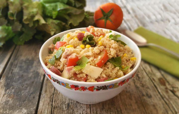 Insalata di quinoa, una ricetta light, fresca e leggera