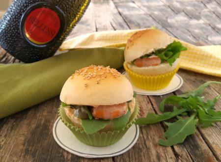 Mini pagnottelle ripiene finger food per buffet e apertivi