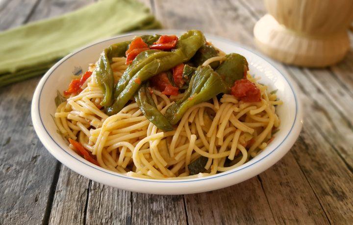 Spaghetti con friggitelli primo piatto veloce