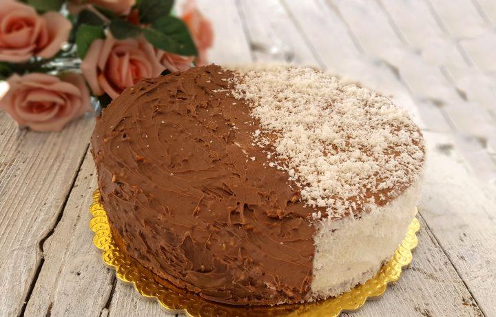 Torta gelato biscotto doppio gusto cocco e cioccolato