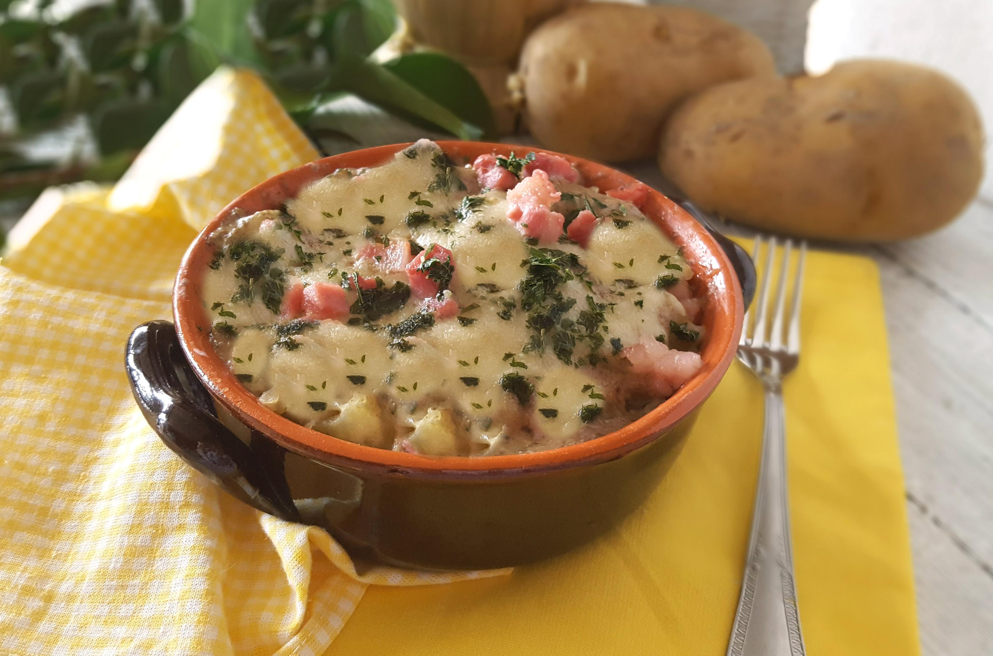 Patate con crema di funghi e pancetta