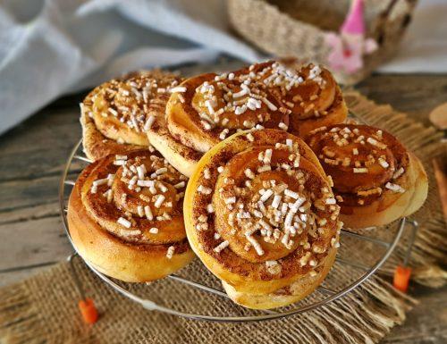 Kanelbullar tipici dolci svedesi alla cannella