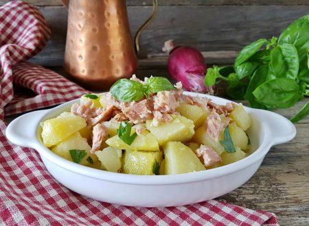 Insalata di patate e tonno fresca e veloce