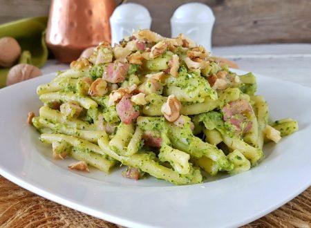 Casarecce alla crema di broccoli noci e speck