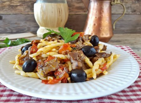 Trofie chiodini pomodorini e olive