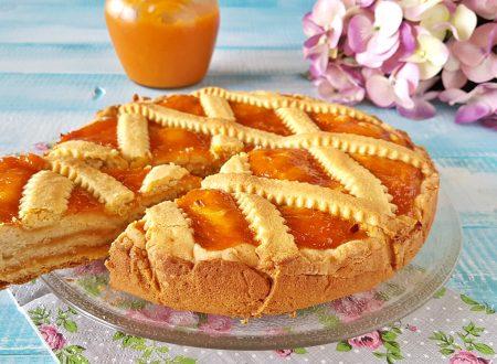 Crostata morbida a strati alta e buonissima