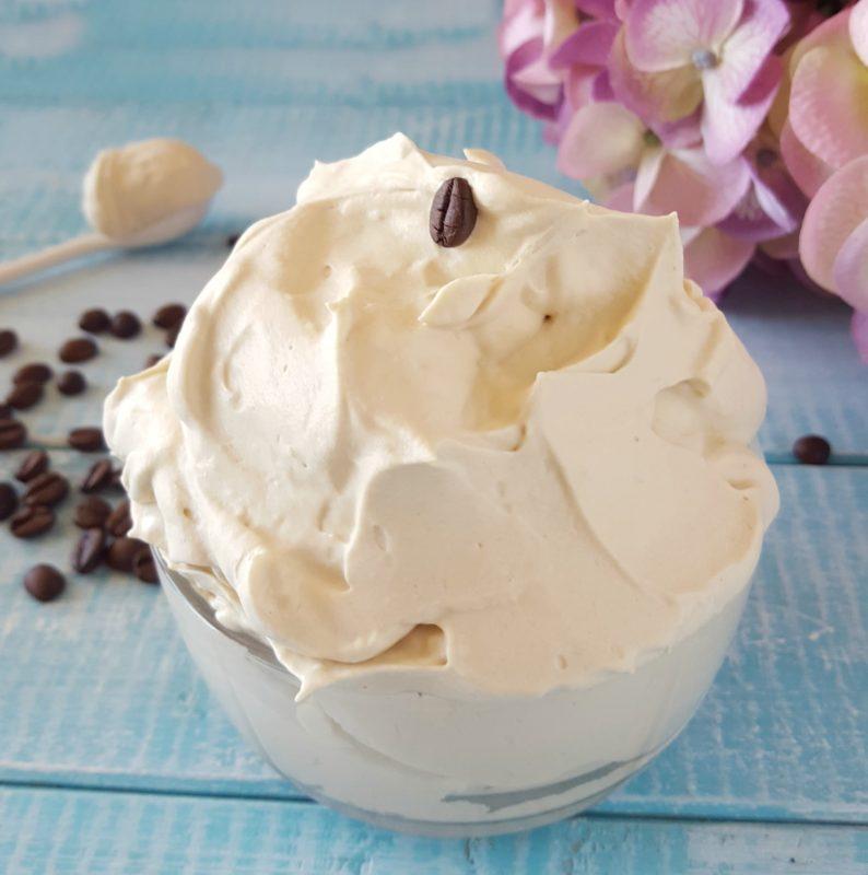 crema chantilly al caffè