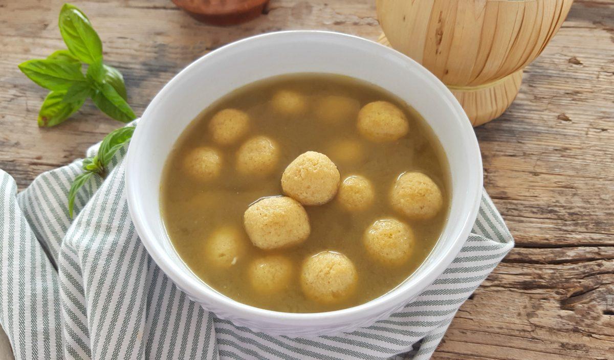 perle di parmigiano in brodo