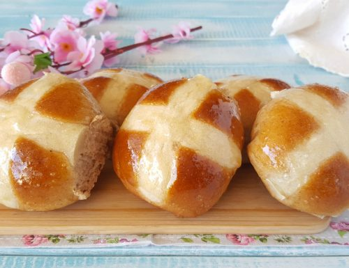 Hot cross buns soffici panini pasquali