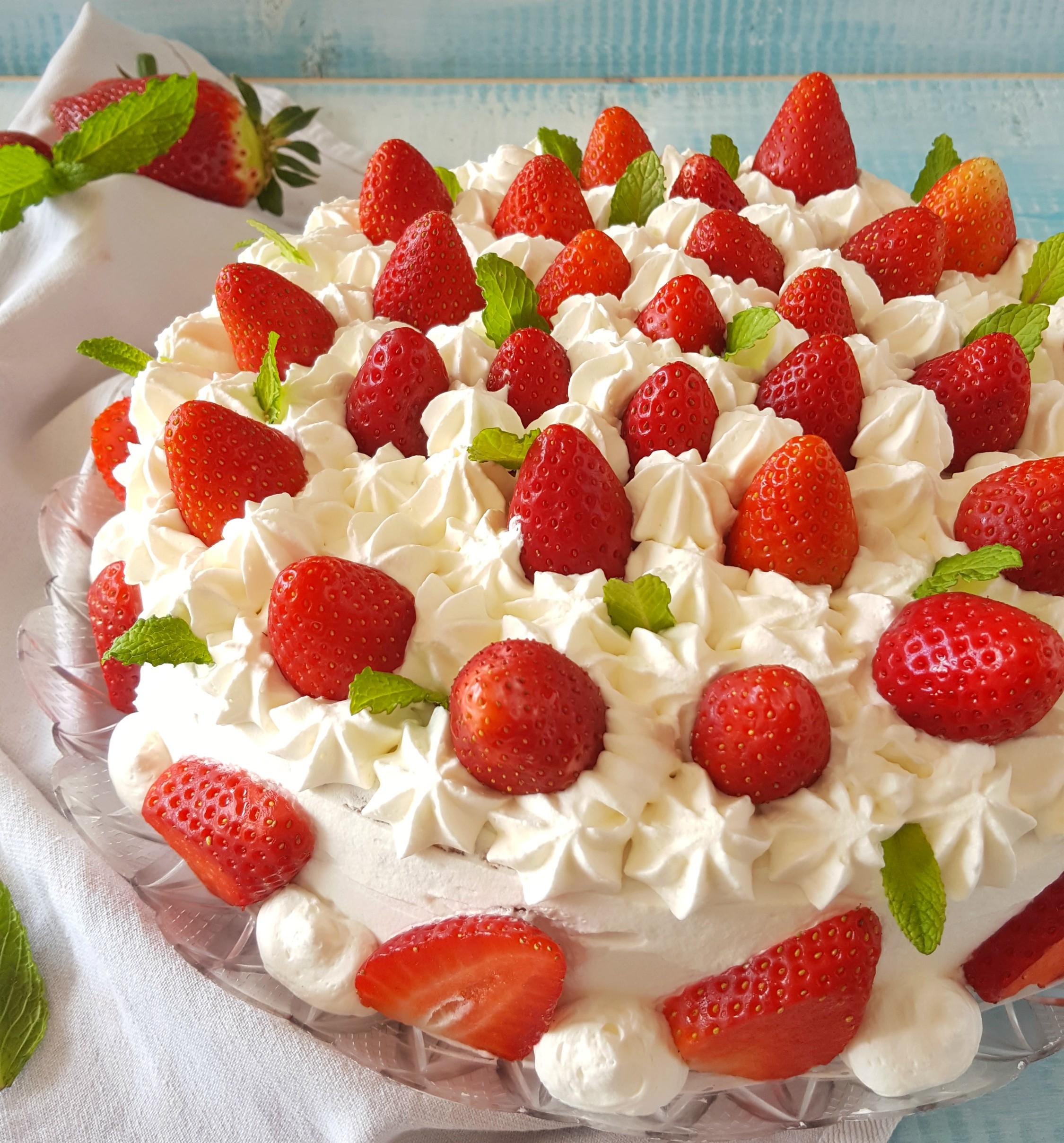 Torta Panna E Fragole Bella Fresca E Golosa