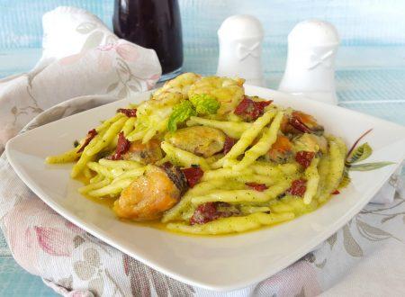 Trofie pesto di zucchine gamberi e cozze