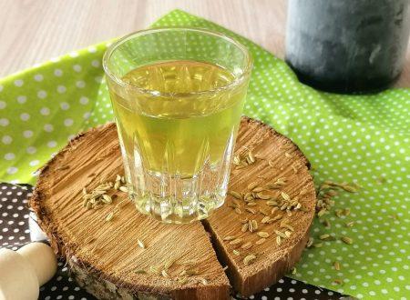 Liquore al finocchietto digestivo fine pasto