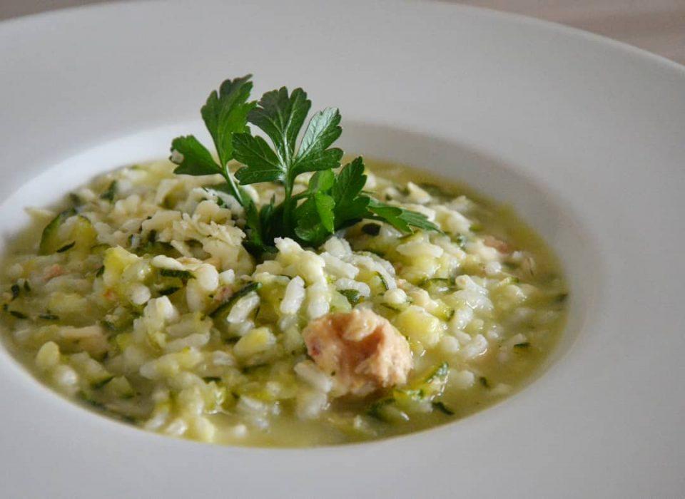Risotto zucchine, tonno e scamorza affumicata