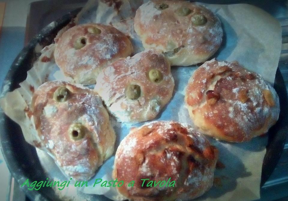 Ricetta golosa: panini con olive e ciccioli