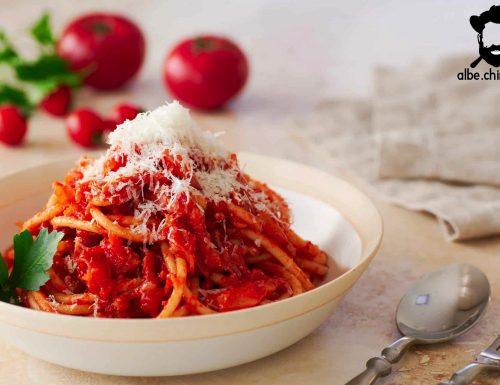Bucatini all'Amatriciana: la ricetta originale