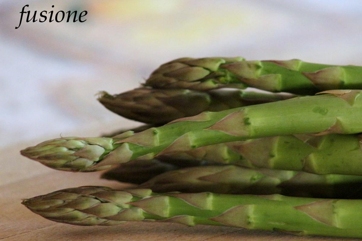 Cucinare gli asparagi pulizia e cottura degli asparagi for Cucinare asparagi