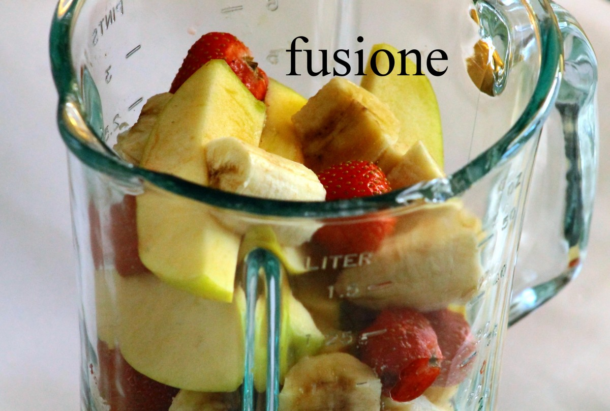 frullato di fragole banana e mela