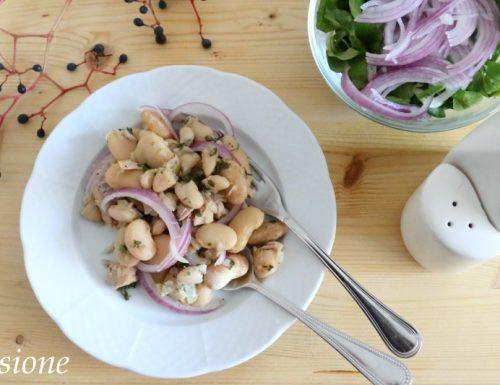 contorno fagioli bianchi con tonno e cipolla