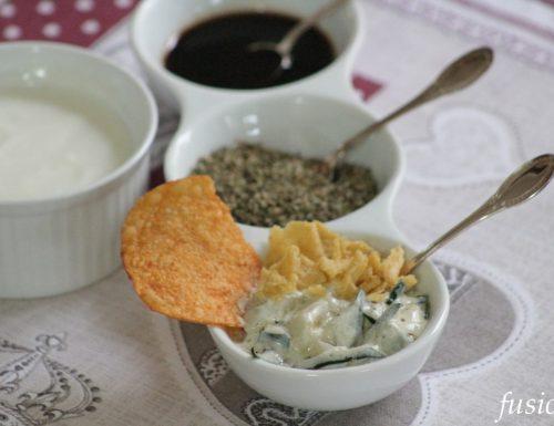 antipasto con cetrioli e yogurt greco