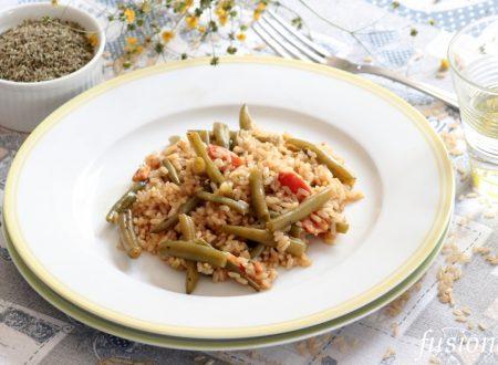 riso integrale con fagiolini e pomodori
