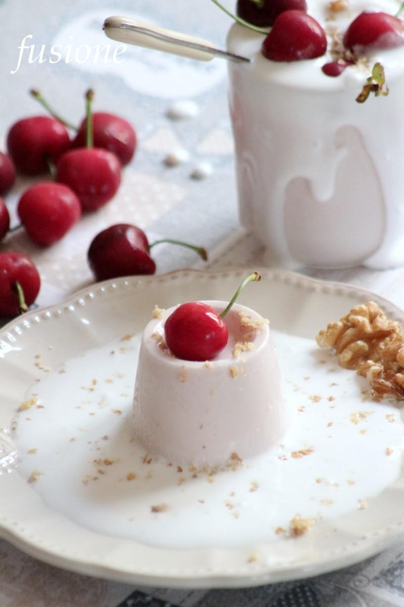 panna cotta e yogurt alla ciliegia