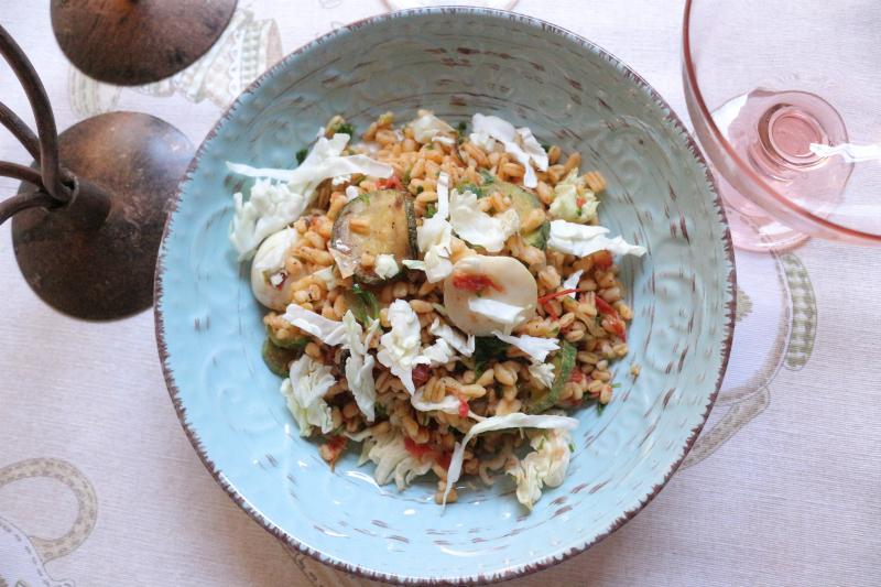 chicchi di grano in insalata
