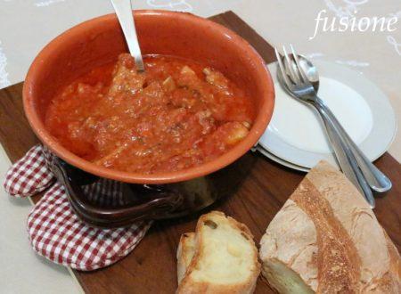costine di maiale al sugo – ricetta tradizionale della cucina emiliana