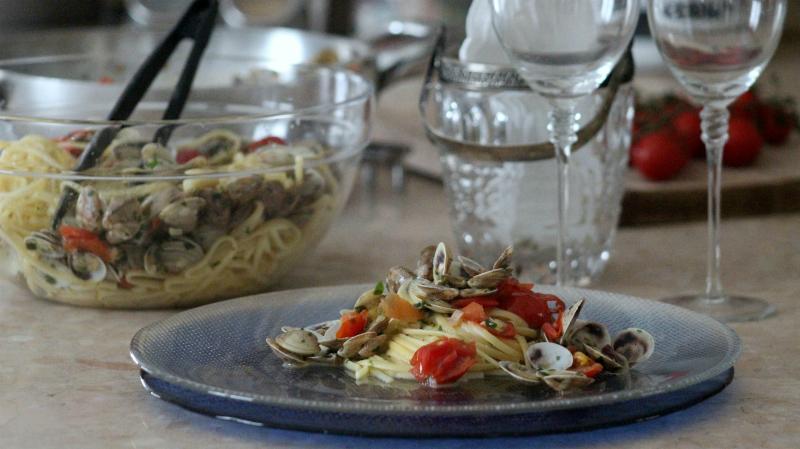 linguine alle vongole e pomodorini, profumo e gusto