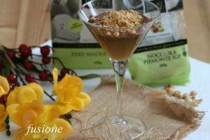 mousse di cioccolato e nocciole con salsa alle pere Madernassa
