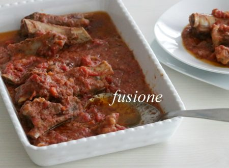 costine di maiale al sugo – ricetta tradizionale