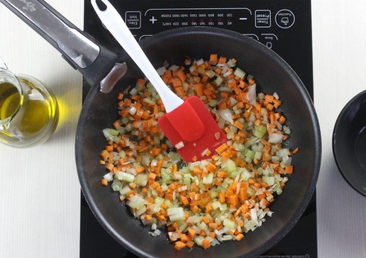 battuto di carota, sedano e cipolla