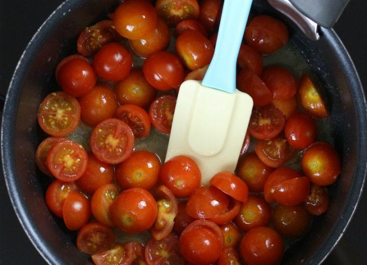 pomodorini in pentola