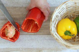 come tagliare i peperoni per farcirli