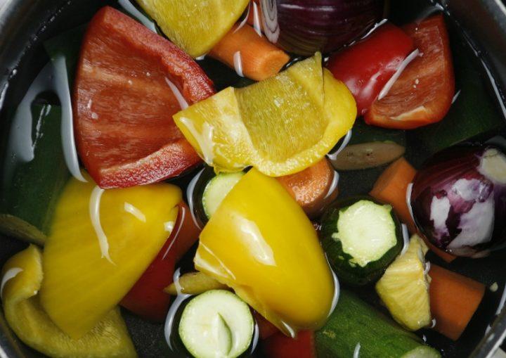 ortaggi di stagione per il brodo vegetale estivo