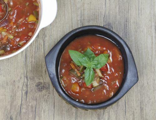 zuppa al pomodoro estiva