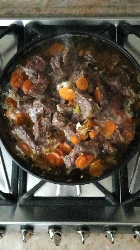 come cuocere lo spezzatino di manzo con carote nella tajine