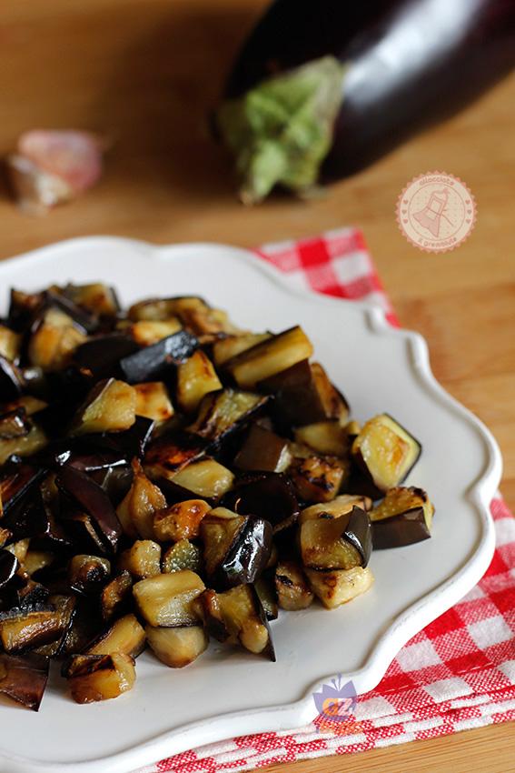 Melanzane in padella ricetta contorno facile for Cucinare zucchine in padella