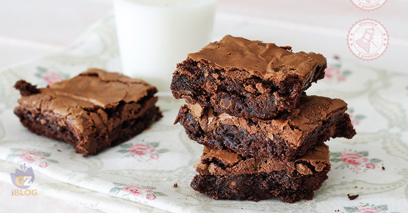 Ricetta Brownies Con Cacao In Polvere.Brownies Al Cioccolato Ricetta Furba Con O Senza Burro 2 Versioni