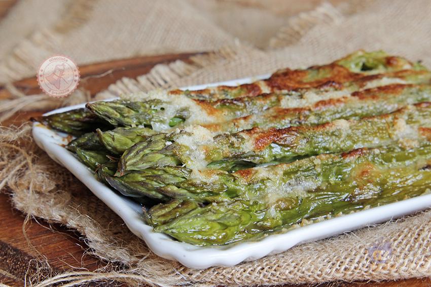 Ricette Asparagi Misya.Asparagi Alla Parmigiana Ricetta Contorno Facile