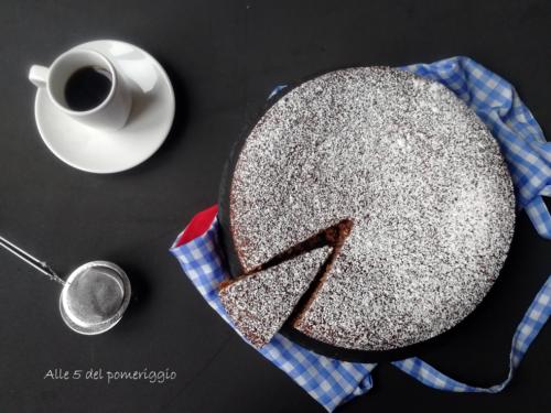 Torta 4 tazze cocco e cioccolato